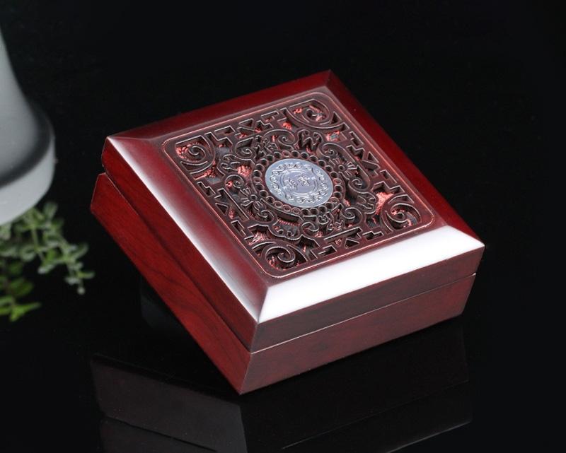 木质缕空珠宝首饰盒