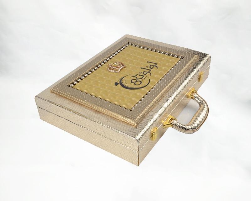 亮皮箱式礼盒包装盒